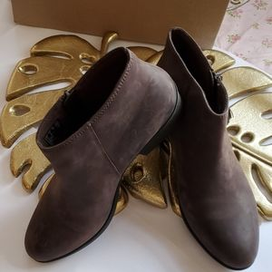 Clarks Collection Size 8M